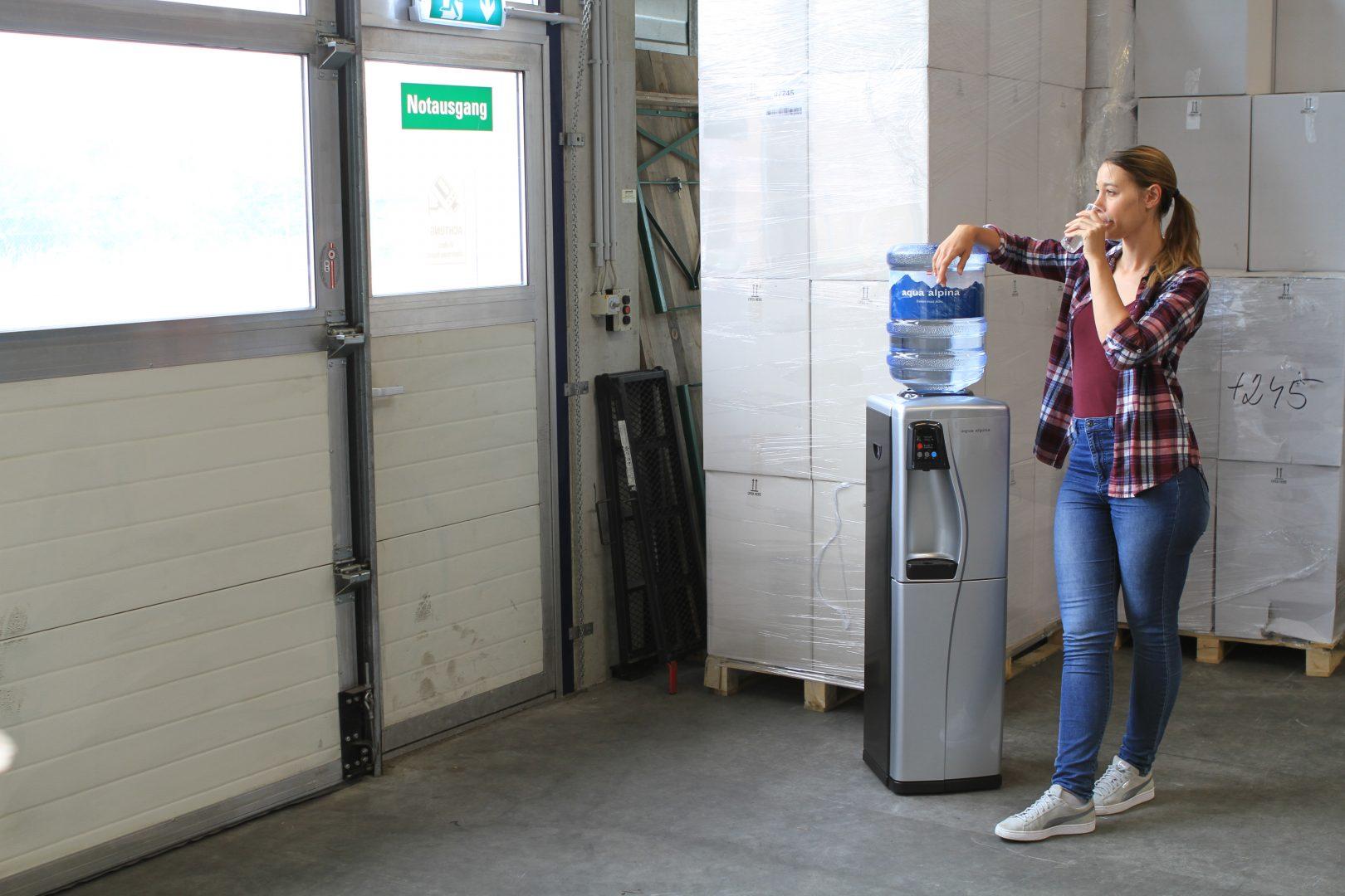 Wasserspender Lagerhalle