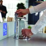 Wasser Zapfen Aus Soda Armatur Im Wartebereich