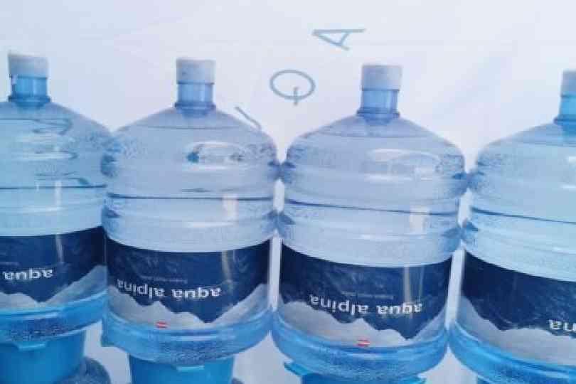 19L Alpenwasserflaschen Auf Flaschenstaplern